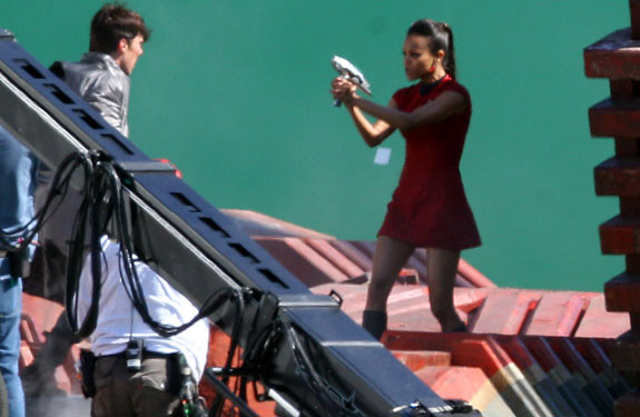 star-trek-2-set-photo-zoe-saldana